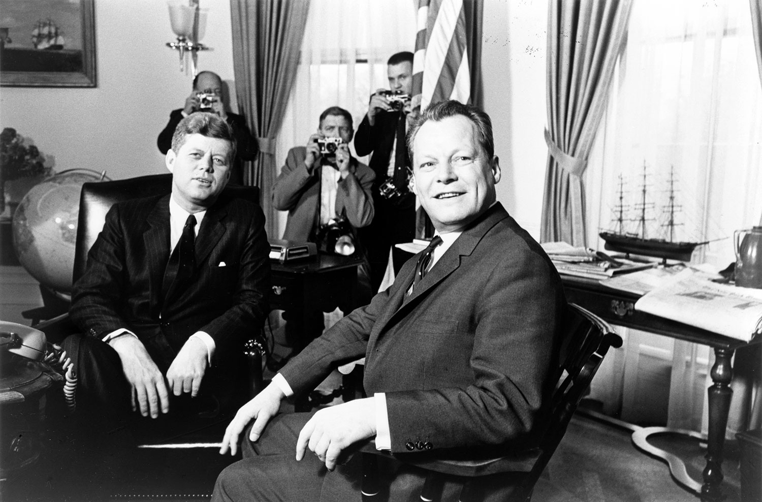 Web2-John_F._Kennedy_meeting_with_Willy_Brandt_March_13_1961