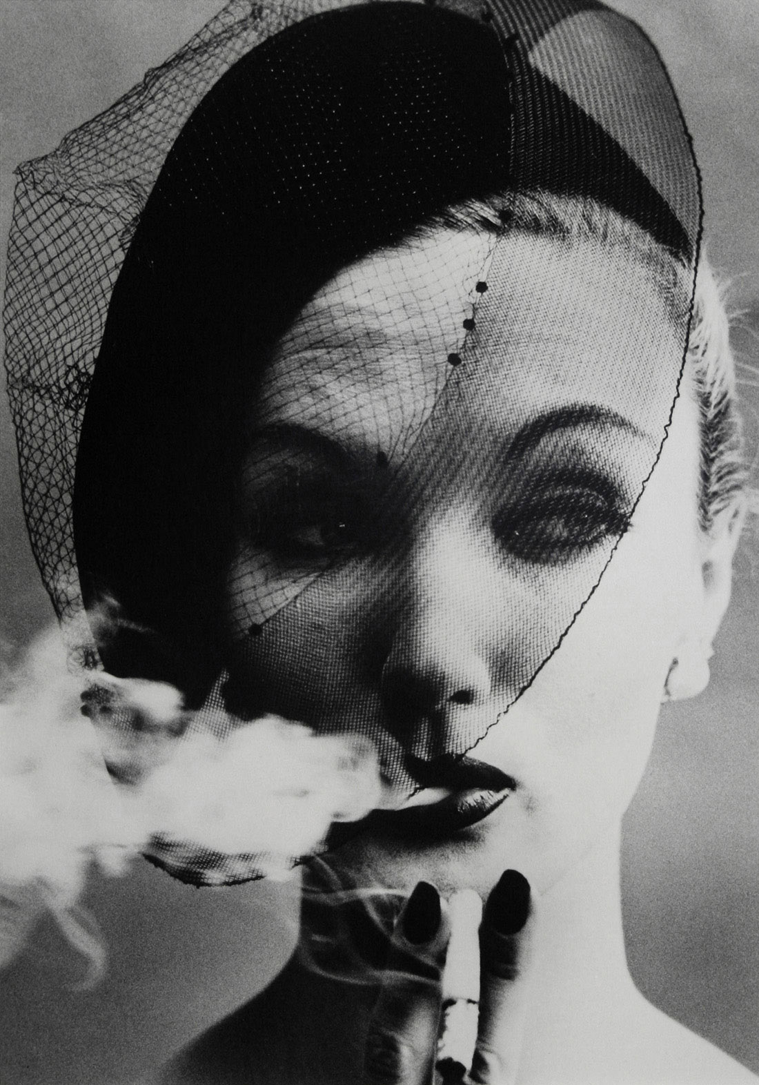 Smoke-Veil-Paris-Vogue-1958_email